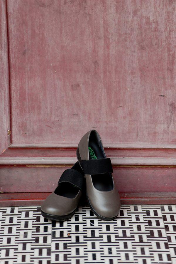 รองเท้าหุ้มส้น ผู้สูงอายุ