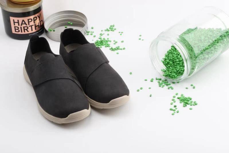 รองเท้าเพื่อสุขภาพ-rebbecca-lims-berlin